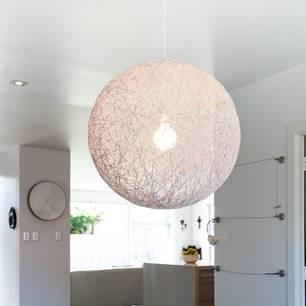 Lampenschirm basteln: Fadenlampe