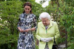 Queen Elizabeth und Kate
