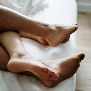 Sex: Füße im Bett