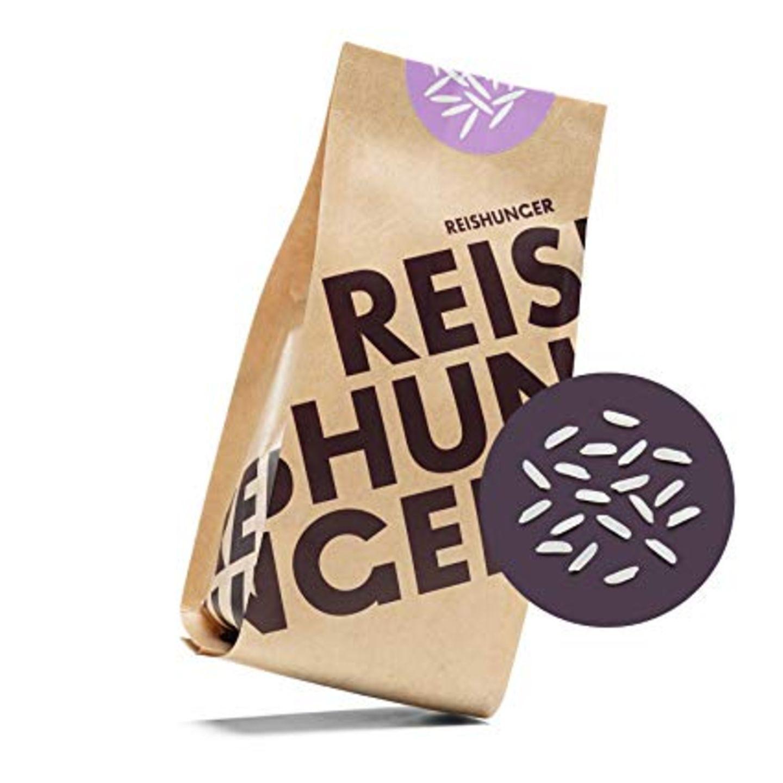 """Diese Frage können wir mit einem lauten """"Jaaa"""" beantworten. Wie wäre es zum Beispiel mal mit einem duftenden Jasminreis? Oder vielleicht doch lieber eines der unzähligen Probierpakete? Den Bio-Jasminreis gibt es jedenfalls schon ab 2,29 Euro bei Reishunger.  Mit der BRIGITTE Shopping Card sparst du bei Reishunger vom 26. Februar bis 16. März 2020 20 Prozent und erhältst ein Steinpilz-Risotto gratis dazu."""