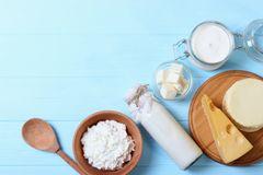 Milchallergie: Verschiedene Milchprodukte aufgereiht