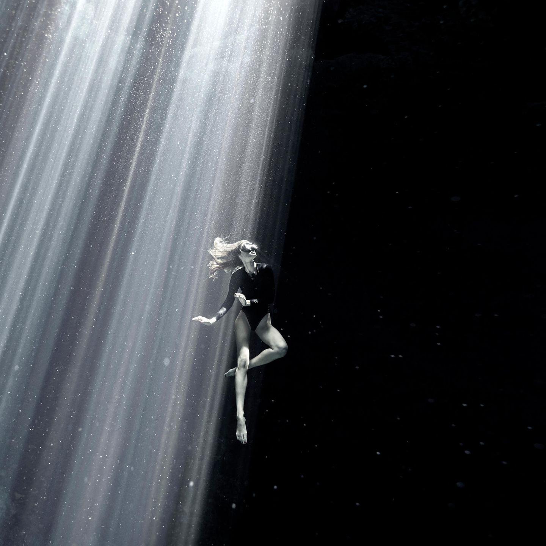 Unterwasserbilder 2020: Model unter Wasser