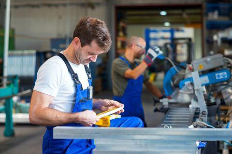 Jobprofil Verfahrensmechaniker: Fabrikarbeiter