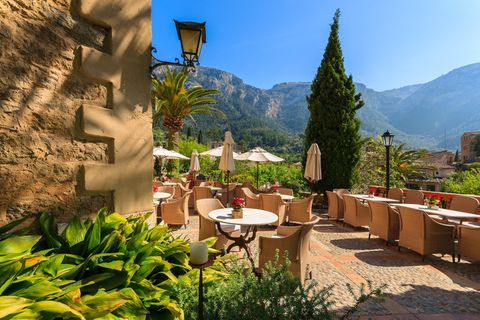 Terrasse eines Hotels auf Mallorca