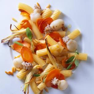 Tortiglioni mit gebratenen Sepien