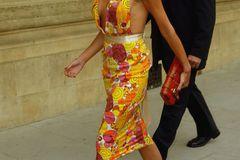 Victoria Beckham: im Musterkleid