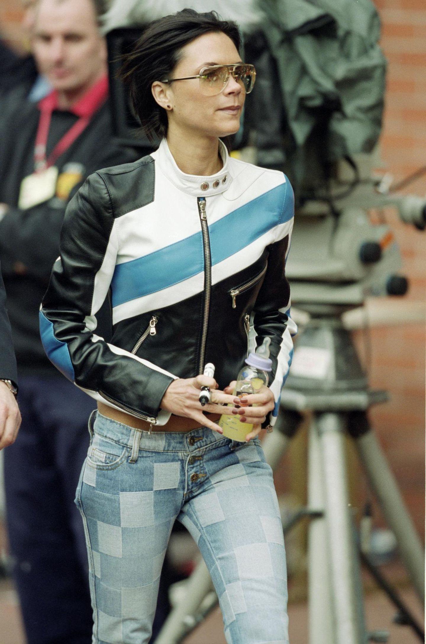 Victoria Beckham: mit Lederjacke unterwegs