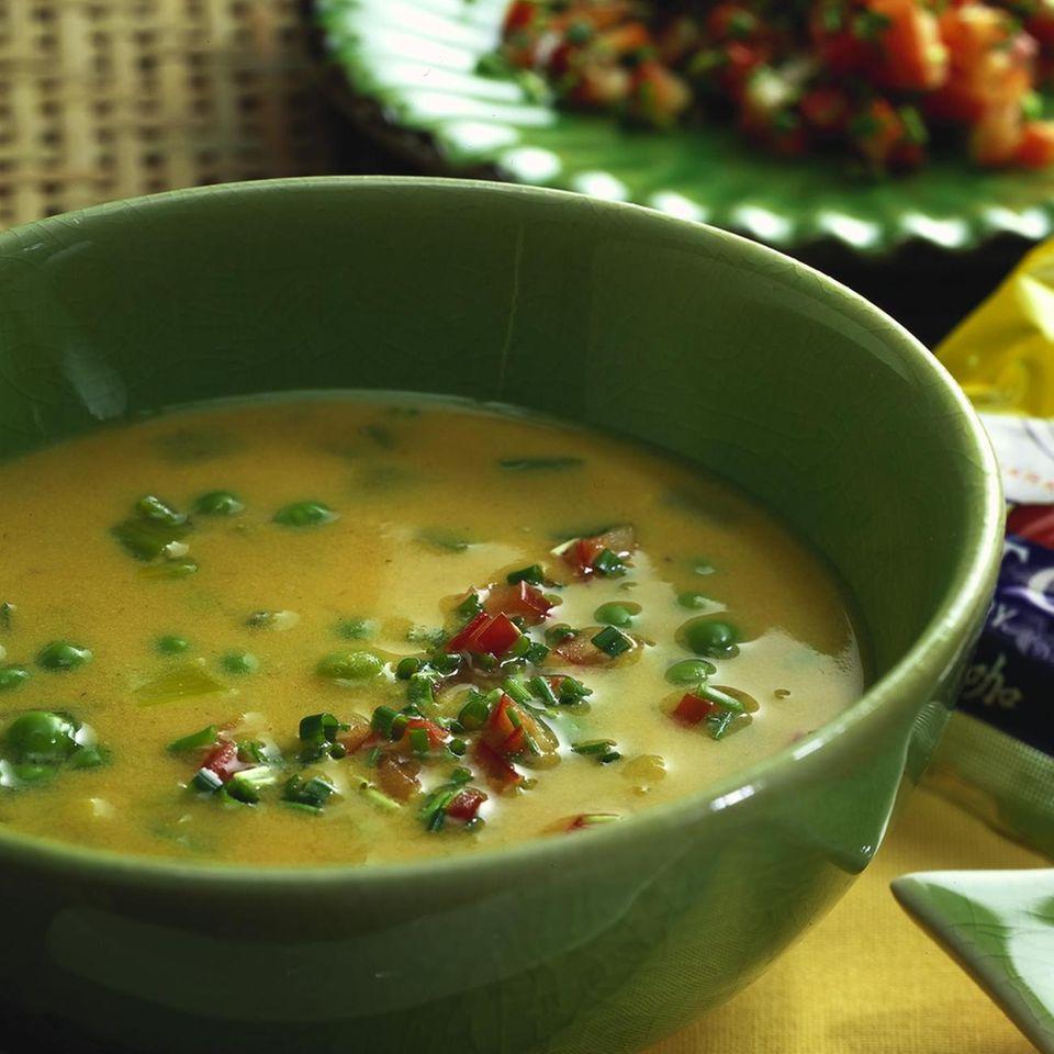 Curry-Hühner-Suppe mit Chili-Gremolata