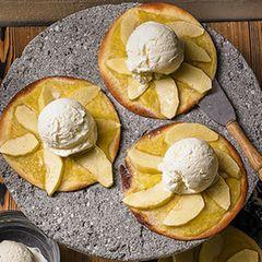 Kleine Apfelkuchen mit Eiscreme