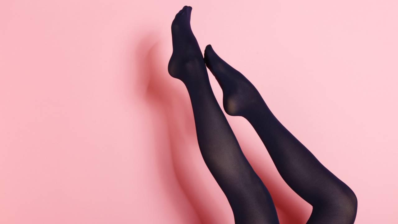 Schwarzes kurzes kleid welche strumpfhose