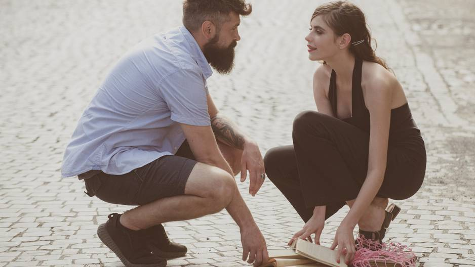 4 Sternzeichen, die sich oft auf den ersten Blick verlieben: Frau und Mann