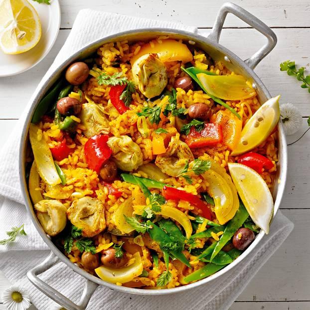 Gemüse-Paella mit Artischocken