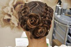 Konfirmationsfrisuren: Hochgesteckte Haare