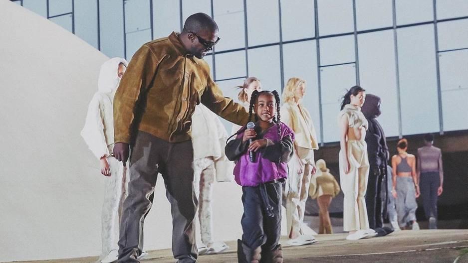 Da lacht sogar Kanye: Erster Rap-Auftritt von Töchterchen North West