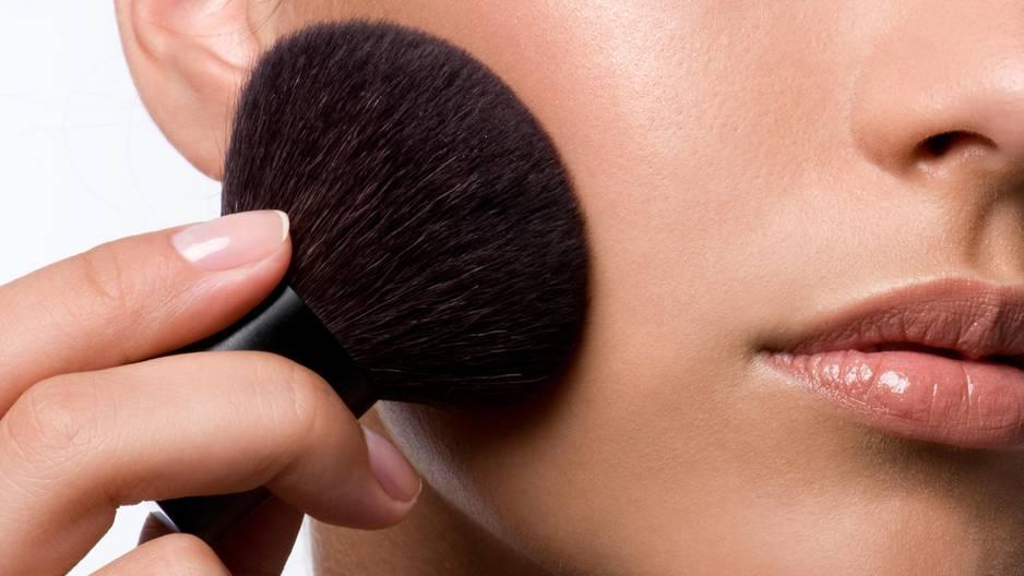 Make-up-Tutorial: Schminkschule: Wangen betonen