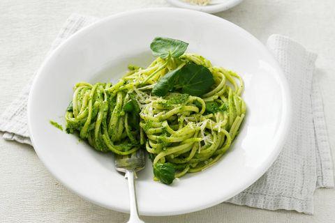 Linguine mit Brunnenkresse-Pesto