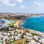 Stadt am Meer auf Zypern