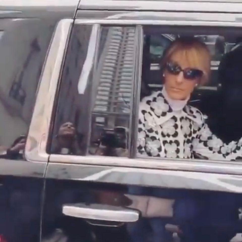 Celine Dion: Hier stoppt sie den Verkehr für einen Fan