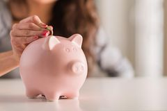 Sparen: Wie viel Geld soll ich jeden Monat zurücklegen?