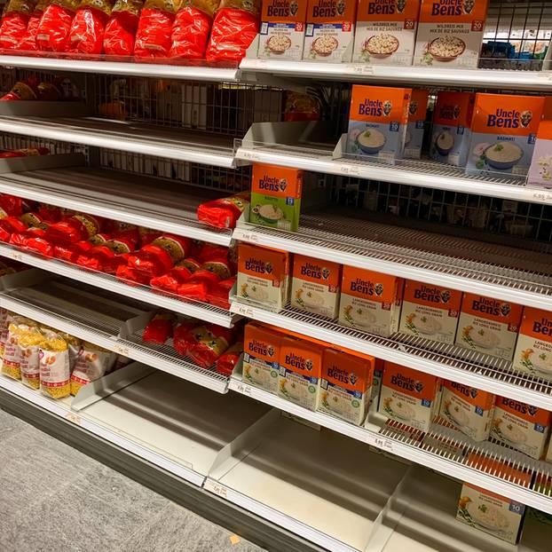 Rückruf: Reis im Supermarktregal