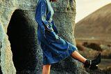 Jeans-Trends 2020: Denimkleid zu Stiefeletten