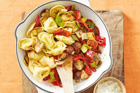 Tortelloni-Pfanne mit Gemüse