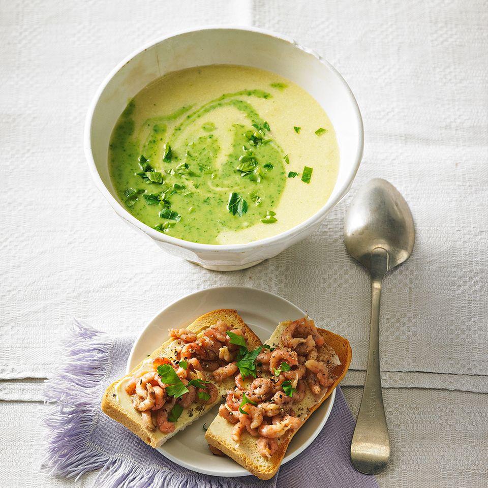 Petersiliensuppe mit Krabben-Toast