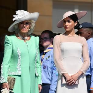 """Royal-News über Herzogin Meghan: Camilla ist """"stinksauer"""" auf sie"""