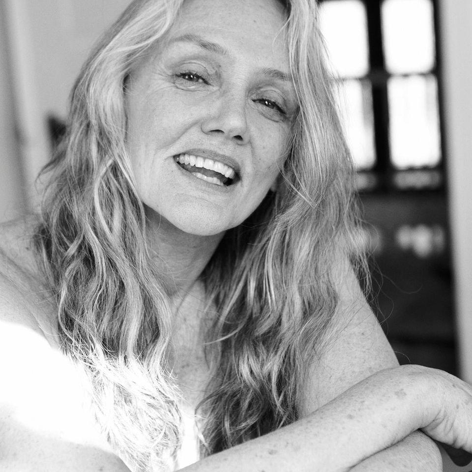 Angelika Buettner: nackte Frau im Portrait