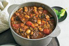 Eintöpfe und Suppen: Mediterranes Gulasch