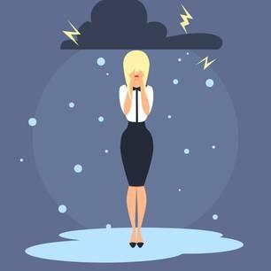 Horoskop: Illustration einer weinenden Frau unter einer schwarzen Gewitterwolke