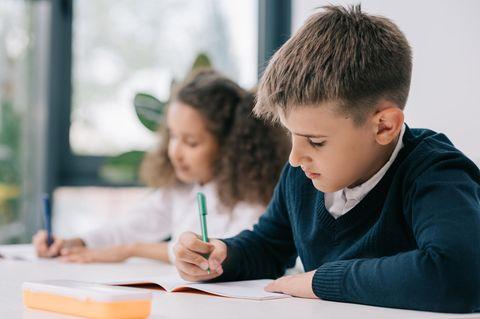 Kinder im Schulunterricht