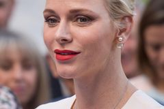 Makeup-Looks der Royals: Charlene von Monaco mit roten Lippen