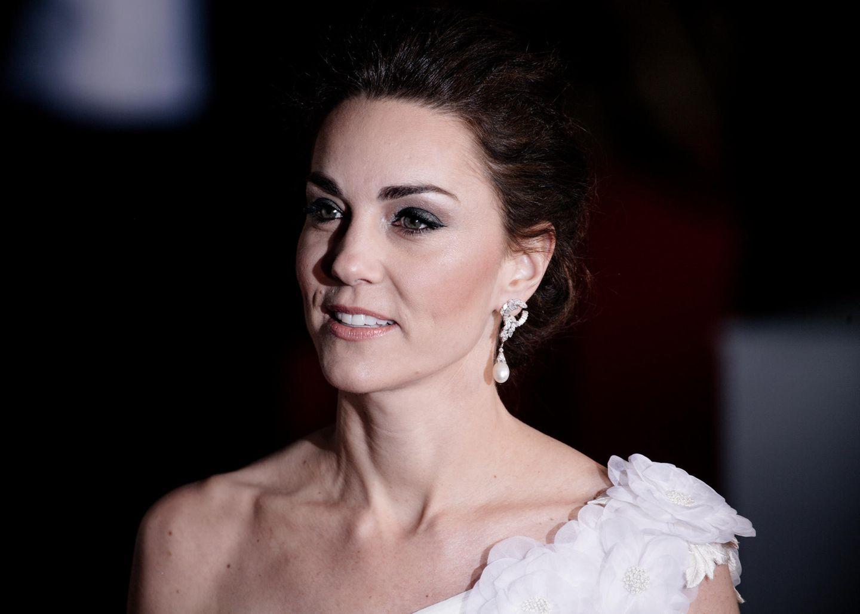 Makeup-Looks der Royals: Herzogin Kate mit grauem Lidschatten