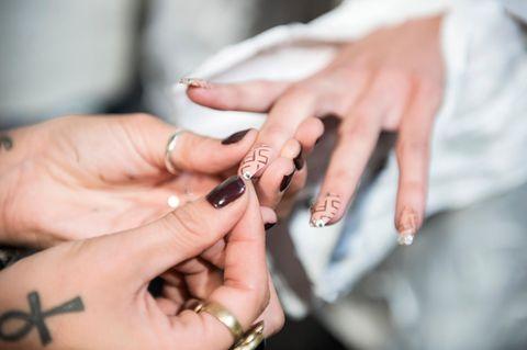 Nageltrend Sommer: Lipstick Nails