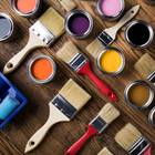 Wandfarbe entsorgen: Pinsel und Farbtöpfe