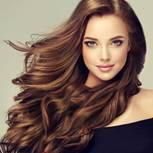 Glossing: Frau mit glänzendem Haar