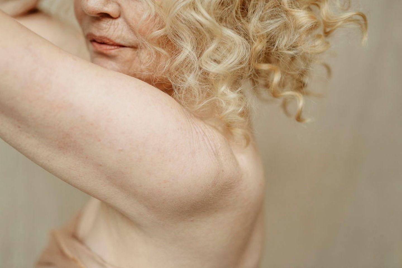 Frauen mit Handicap: Frau posiert