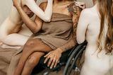 Frauen mit Handicap: posieren zusammen
