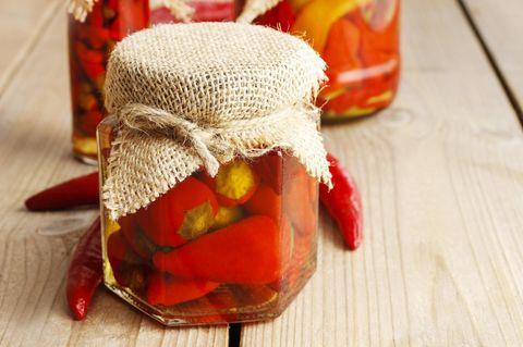 Peperoni einlegen: Eingelegte Peperoni