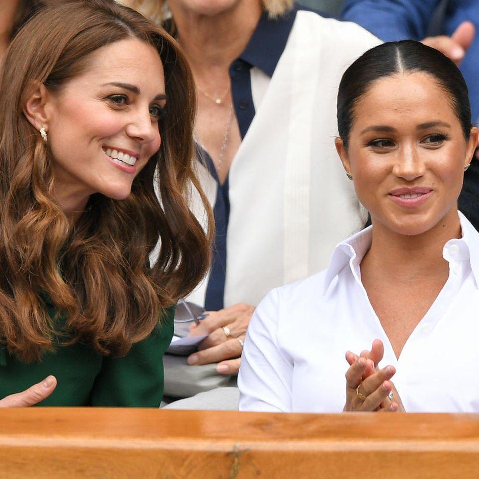 Royale Fashion-Lieblinge: Auf diese 10 Basics setzen Kate & Meghan – immer!