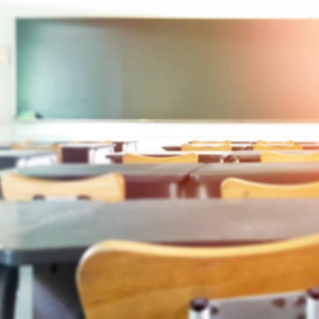 """Lehrerin über Schulschließung: """"Wir werfen Hausaufgaben in die Briefkästen"""""""