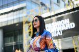 Midi-Hair: Frau mit Sonnenbrille