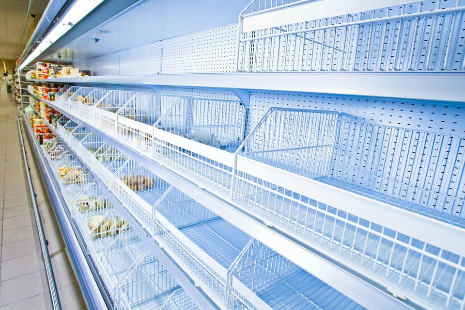 Coronakrise: Leere Regale im Supermarkt