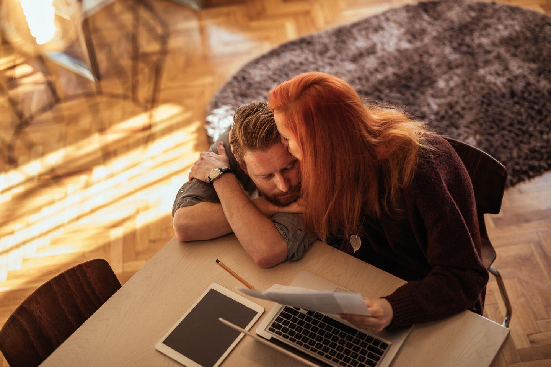Sex: Paar im Home Office