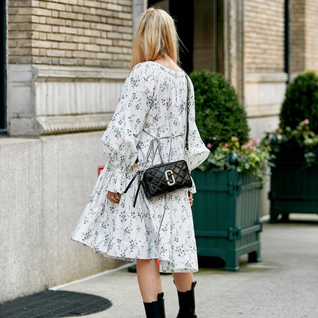 Style clothes in spring