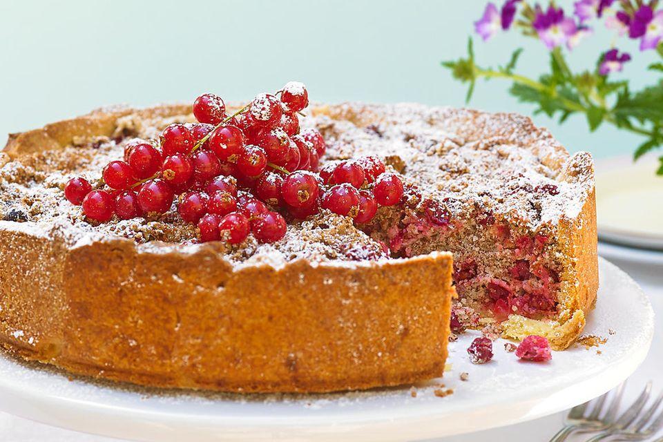 Johannisbeer-Kuchen mit Mandeln