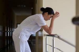 """Krankenschwester bittet: """"Lasst uns erst nach der Krise um Gehalt kämpfen!"""""""