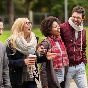 Social Distancing: Das kannst du gegen den Leichtsinn tun