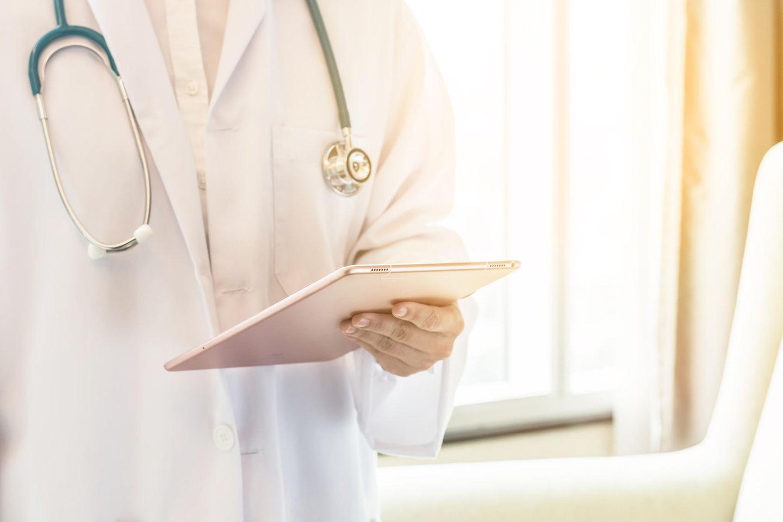 Coronavirus: Arzt bittet Patienten, nicht die Notaufnahmen zu belasten